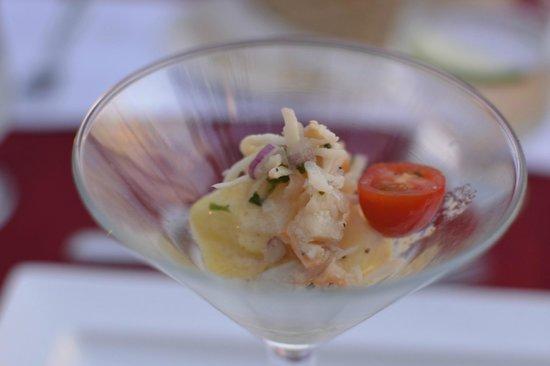 Las Brisas Hotel Collection Ixtapa: Yummy crab salad at Las Brisas II