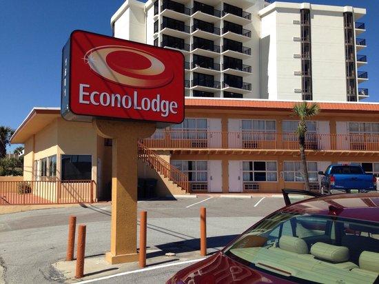 Econo Lodge Oceanfront : Die Ein-Ausfahrt