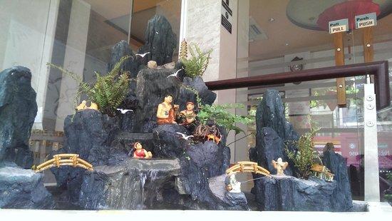 Little Saigon Corner Boutique Hotel : Bonsai at hotel