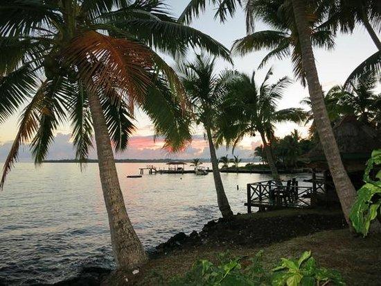 Va-i-Moana Seaside Lodge : Va i Moana's little bay