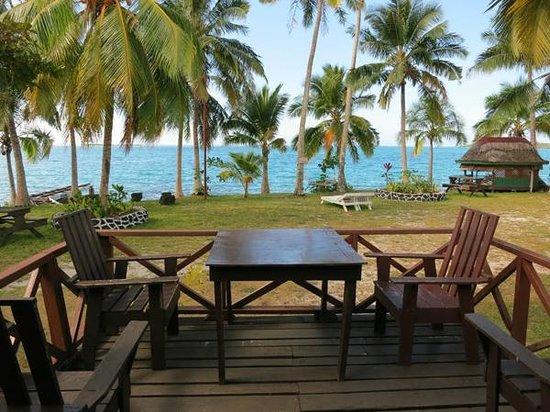 Va-i-Moana Seaside Lodge: Our front verandah with perfect ocean views