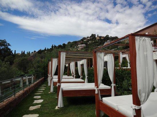 Hotel Tiara Yaktsa Côte d'Azur. : área da piscina