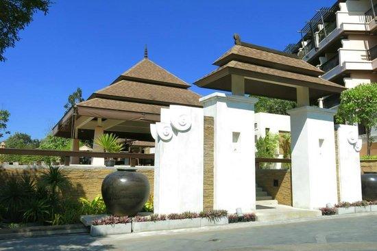 Aonang Cliff Beach Resort: Lobby