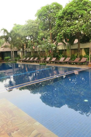 Royal Empire Hotel: Salt Water Pool