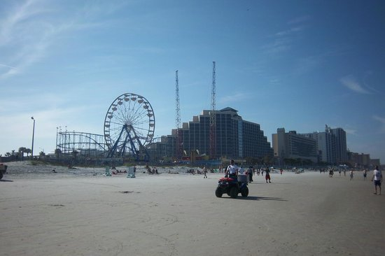 Boardwalk Amusement Area and Pier: The pier from the water