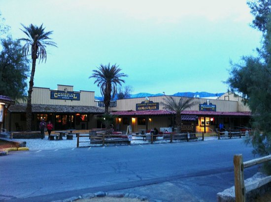 Furnace Creek Inn and Ranch Resort: Furnace Creek Ranch Gen. Store & Restaurants