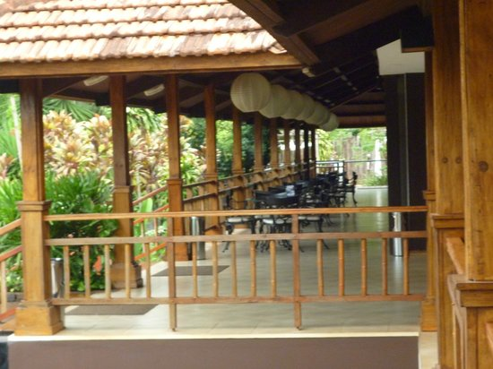 Raices Esturion Hotel : entrada previa a la recepcion