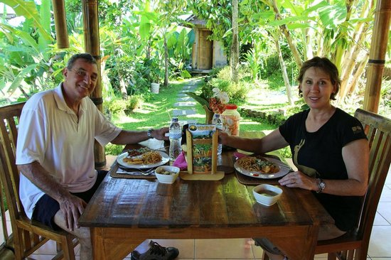 Bali Hai Bike Tours: Lunch at the Bali Hai Bike Ride Pavillion