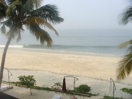 Sreekrishna Ayurveda Centre: Beach view from the hotel room
