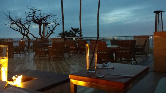 Loews Coronado Bay Resort: Dinner at the terrace with San Diego bay as a view