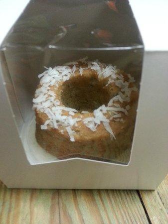 El Batey: coconut berry rum cake