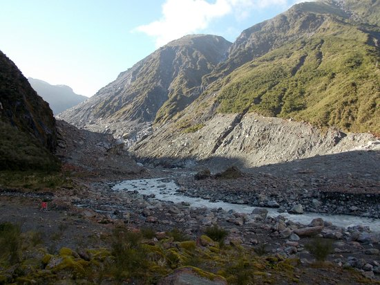 Fox Glacier Hiking Trails : Fox Glacier Vally