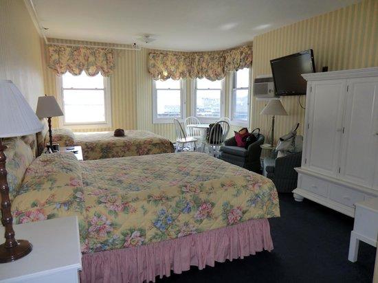 Island House Hotel: #300