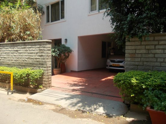juSTa Off MG Road, Bangalore: Front view