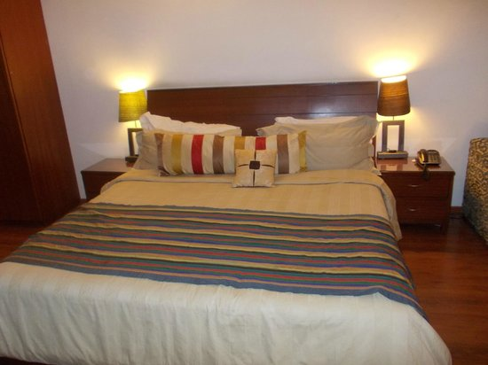 juSTa Off MG Road, Bangalore: Good & kingsize bed