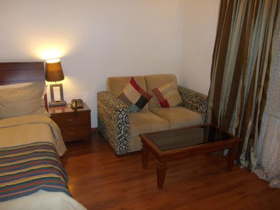juSTa Off MG Road, Bangalore : Nice and cozy - correctly placed for viewing TV