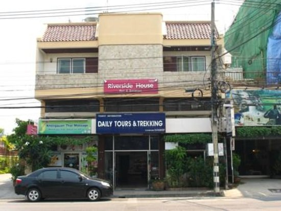 View of the Riverside House on Chiang Mai -Lamphun Road