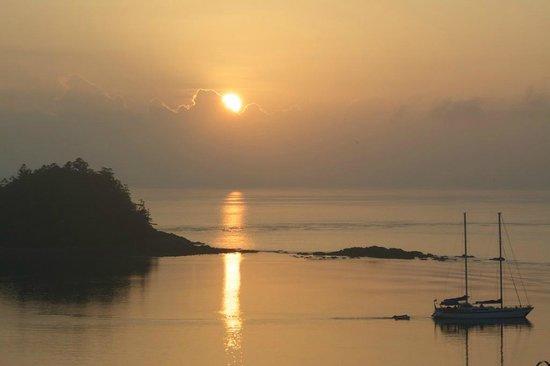 Qualia Resort: Sunrise from Windward Pavillion