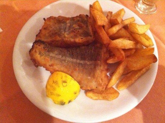 Anemomilos Restaurant: Anemomilos - Photo 5 (fish of the day: golden fish)