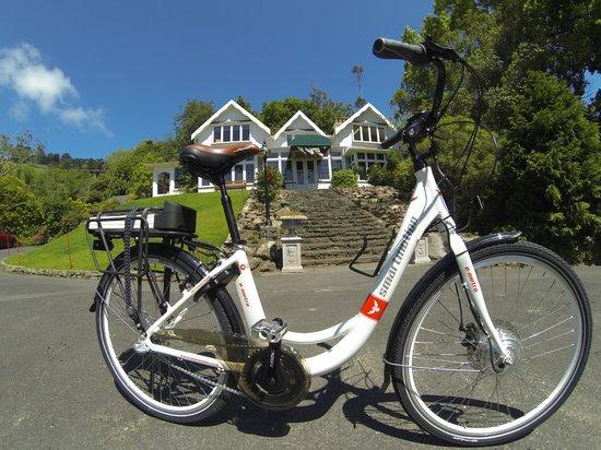 Glenfalloch Woodland Gardens : Glenfalloch Green Bike in front of the Homestead