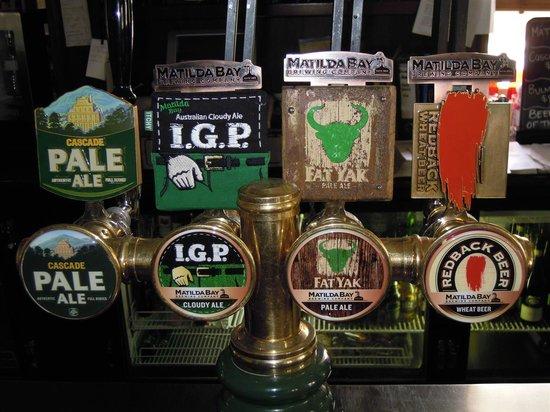 Moondyne Joe's: Some beers on tap