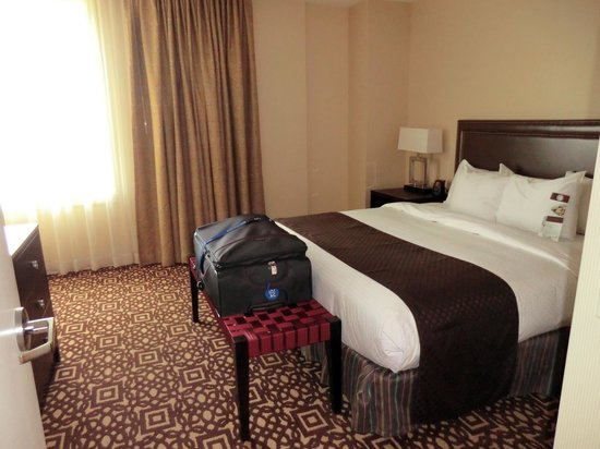 Doubletree by Hilton Detroit Downtown - Fort Shelby: #907