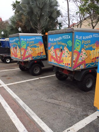 Pizza delivery truck - Picture of Disney's Caribbean Beach ...