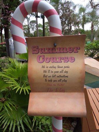 Disney's Winter Summerland Miniature Golf Course : Summer course