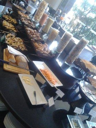 Grand Sukhumvit Hotel Bangkok: Breakfast