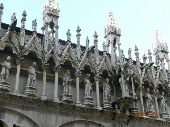 Chiesa di Santa Maria della Spina: particolare