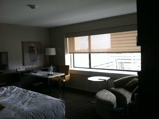 Grand Hyatt Denver Downtown: Corner room -- photo 1