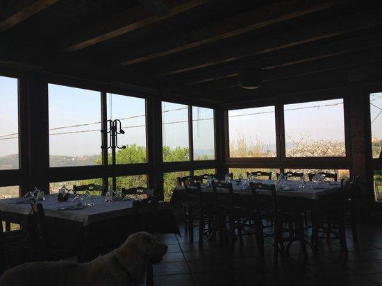 Agriturismo la Roccia: sala ristorante
