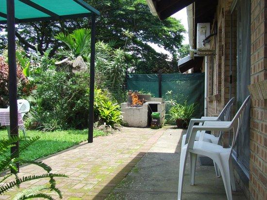 St. Lucia Wilds : No.1 Own braai facility in garden area