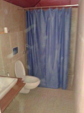 Amush Desert Camp : get relex in bathroom