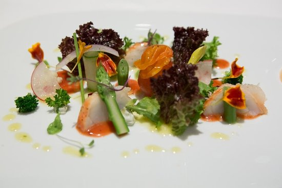 Tempo by Martin Berasategui: course #1 lobster salad