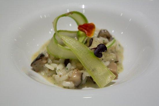 Tempo by Martin Berasategui : course #4 wild mushroom risotto