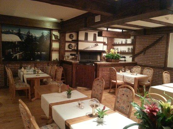 Helvetia Intergolf - Hotel & Apparthotel : Le Carnotzet, pour la Fondue et Raclette