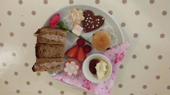 Massey's traditional tea room: Mothers Day Mini afternoon tea 2014