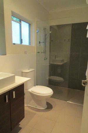 Reef Resort Port Douglas: 3-Bedroom Deluxe Villa - Bathroom