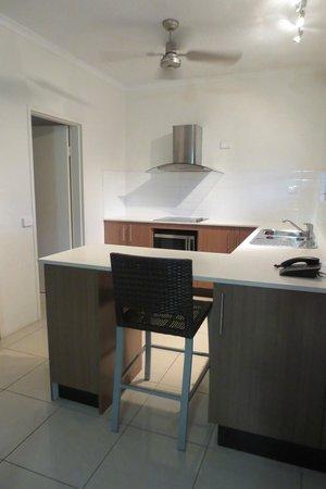 Reef Resort Port Douglas: 3-Bedroom Deluxe Villa - Kitchen