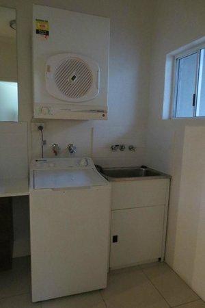 Reef Resort Port Douglas: 3-Bedroom Deluxe Villa - Laundry
