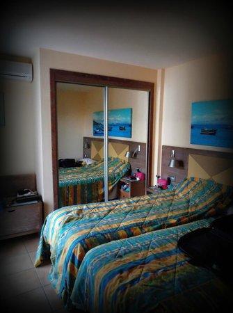 Barcelo Castillo Beach Resort: twin room