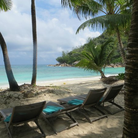 Petite Anse Kerlan : In spiaggia all'ombra