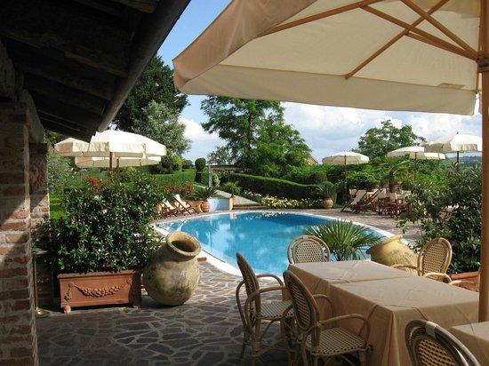 Boutique hotel castello di villa isola d 39 asti im piemont for Pauschalreisen boutique hotels