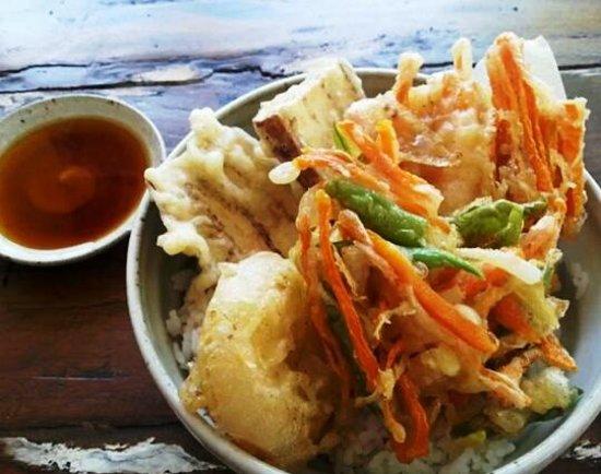 Warung Suika: 野菜天丼 vegetable rice bowl