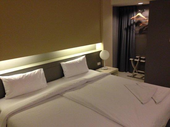 Myhotel Cmyk@Ratchada: ベッドは余裕あり