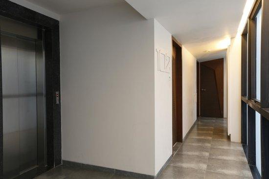 Dragonfly Hotel : Floor