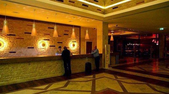 Real Marina Hotel & Spa: Recepción