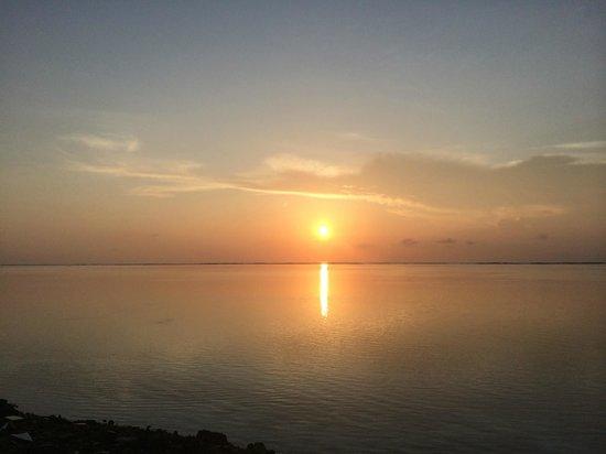 Summer Villa Guest House: Sunrise from Maafushi