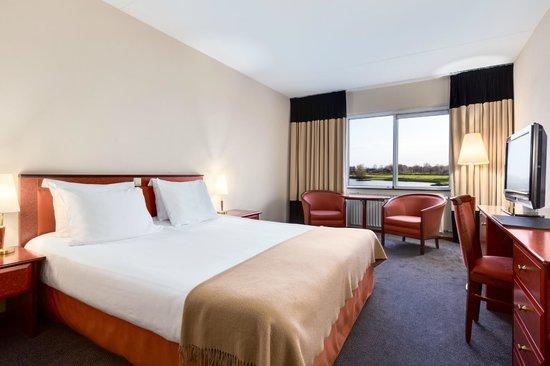 NH Arnhem Rijnhotel : Standard Room
